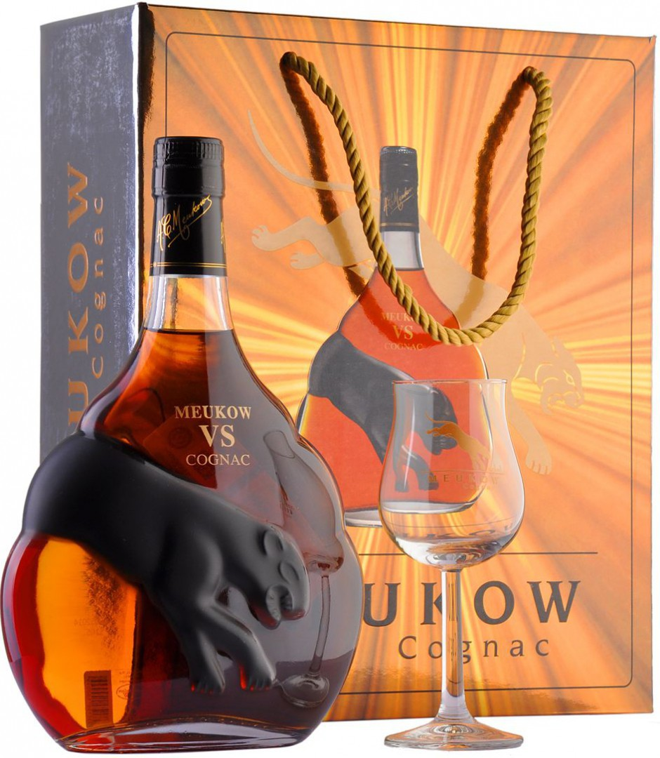 Meukow V.S., in gift box with glass, 0.7 л