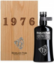 Highland Park, 1976, wooden box, 0.7 л